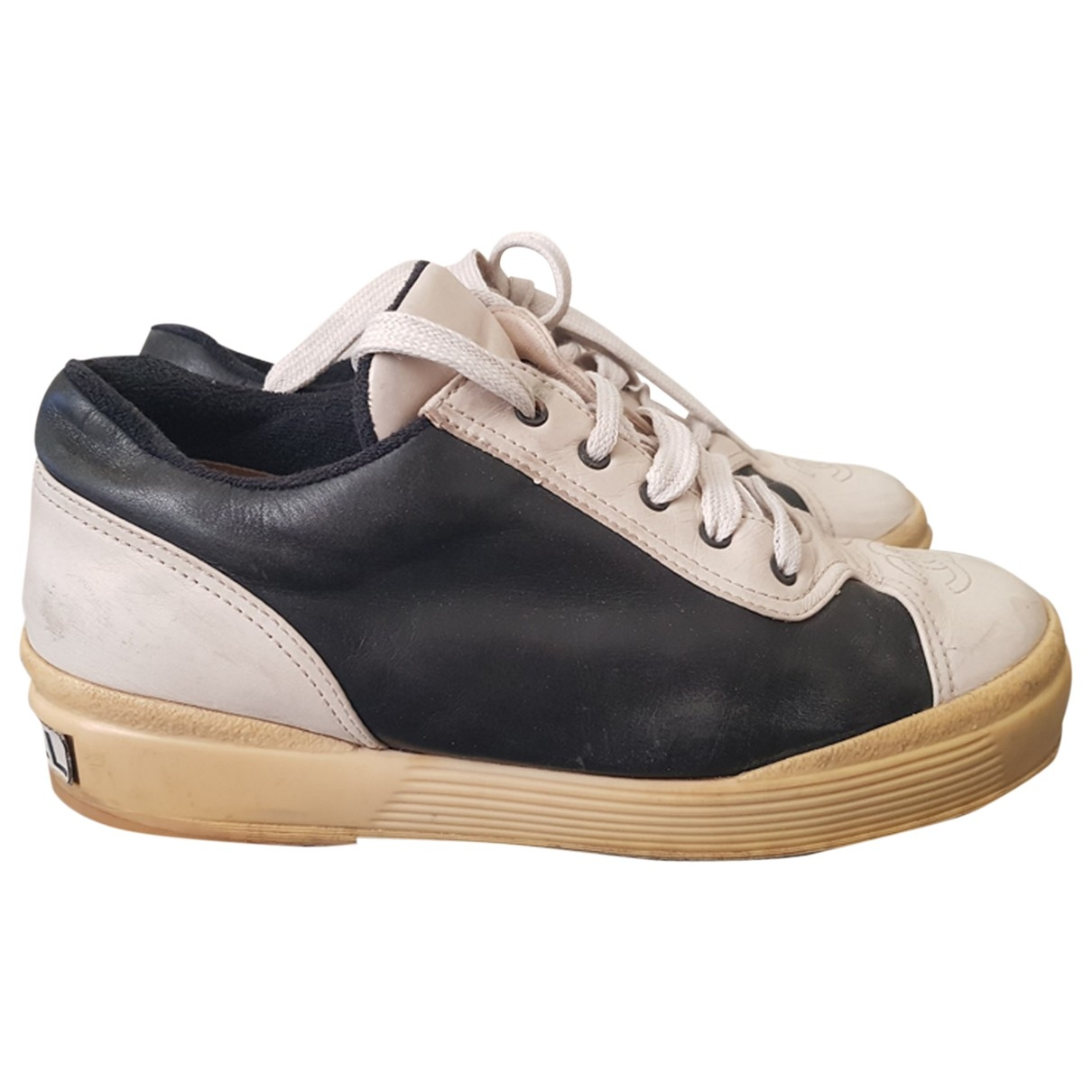 Chanel \N White Leather Trainers for Women 38.5 EU