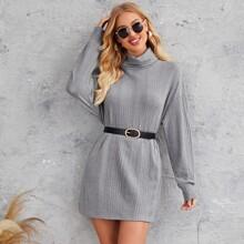 Gerippter Strick Kleid mit Stehkragen und sehr tief angesetzter Schulterpartie ohne Guertel