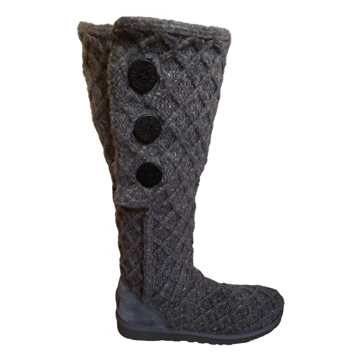Ugg \N Stiefel in  Grau Leder