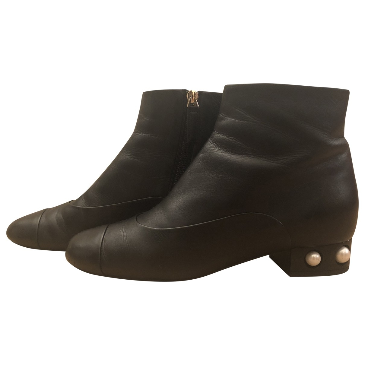 Chanel \N Black Leather Ankle boots for Women 37 EU