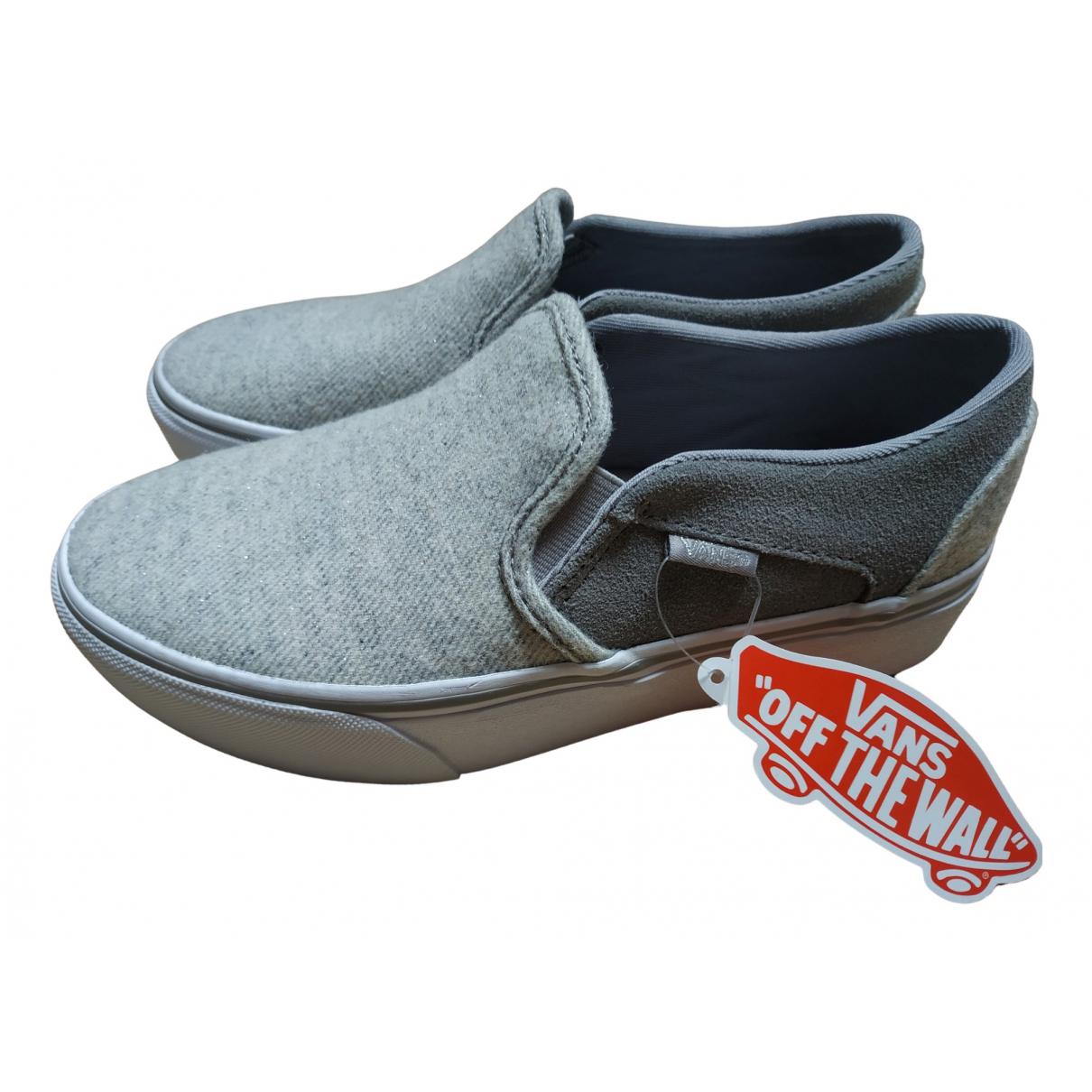 Vans \N Sneakers in  Grau Leinen