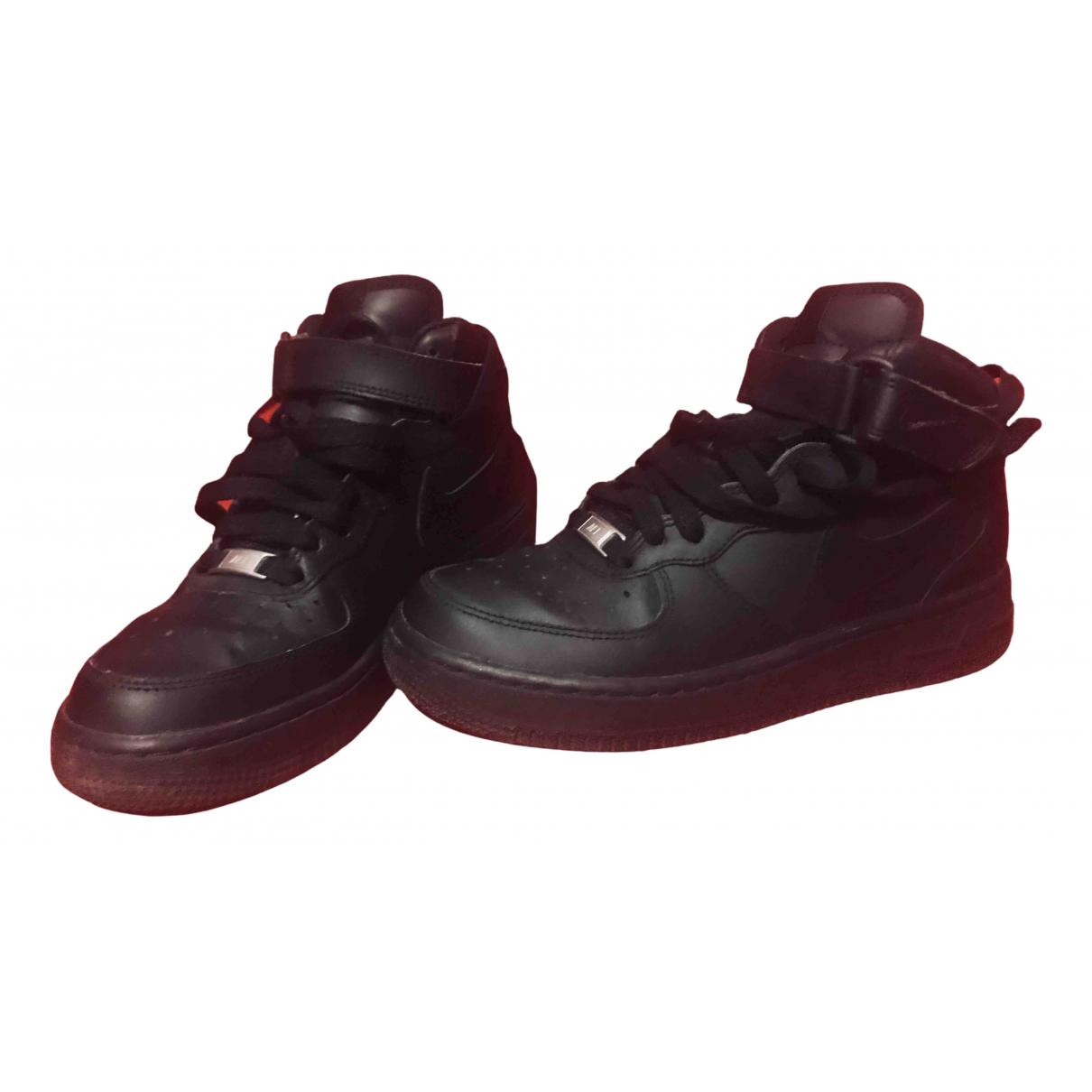 Nike Air Force 1 Sneakers in  Schwarz Leder