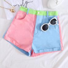 Shorts mit Farbblock und schraegen Taschen