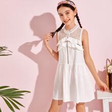 Kleid mit Raffungsaum und Netzstoff