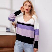 Pullover mit sehr tief angesetzter Schulterpartie, Streifen und Farbblock