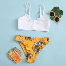 Maedchen Bikini Badeanzug mit Blumen Muster und Bogenkante