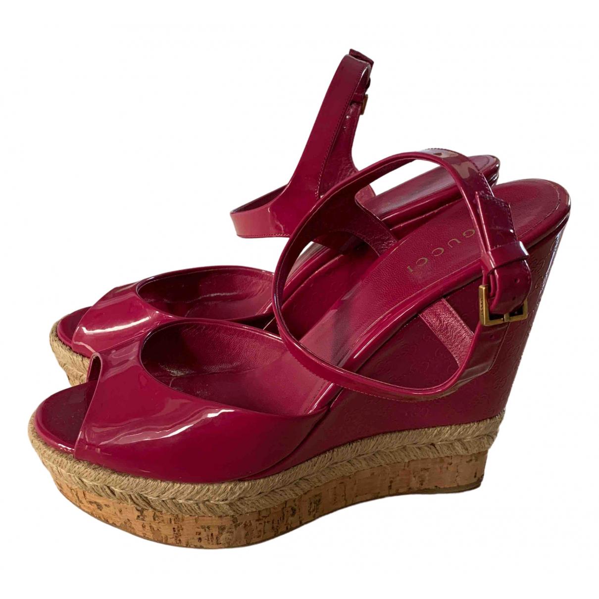 Gucci - Sandales   pour femme en cuir verni - rose