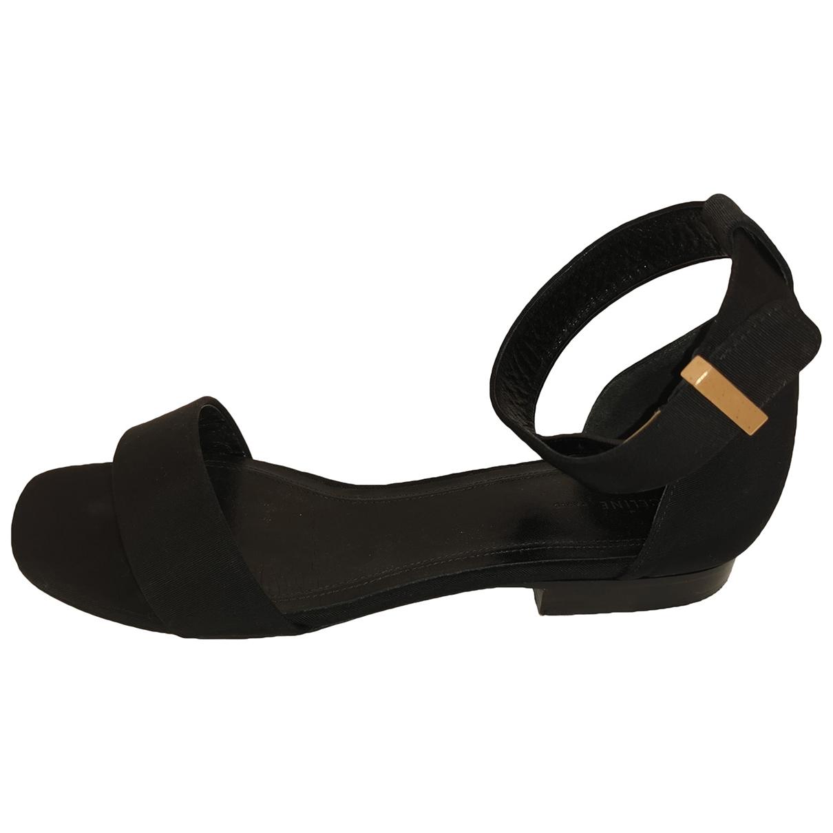 Sandalias romanas de Lona Celine