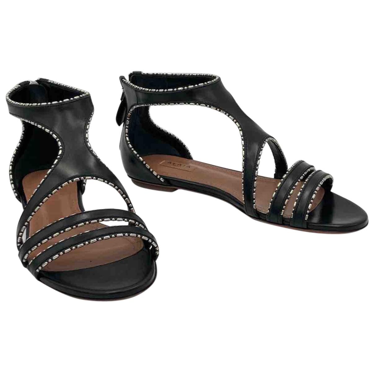 Alaïa N Black Leather Flats for Women 37 EU