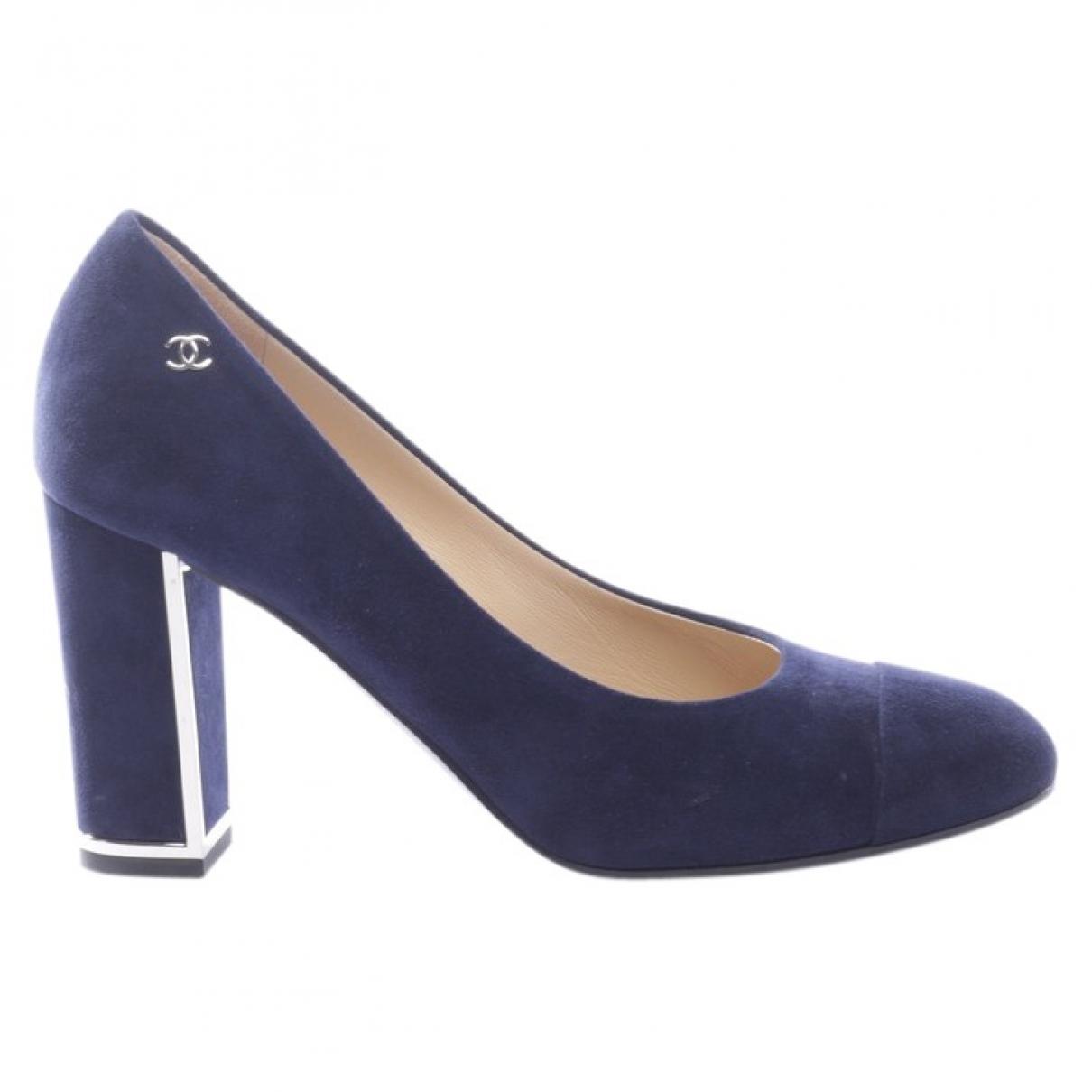 Chanel \N Pumps in  Blau Veloursleder