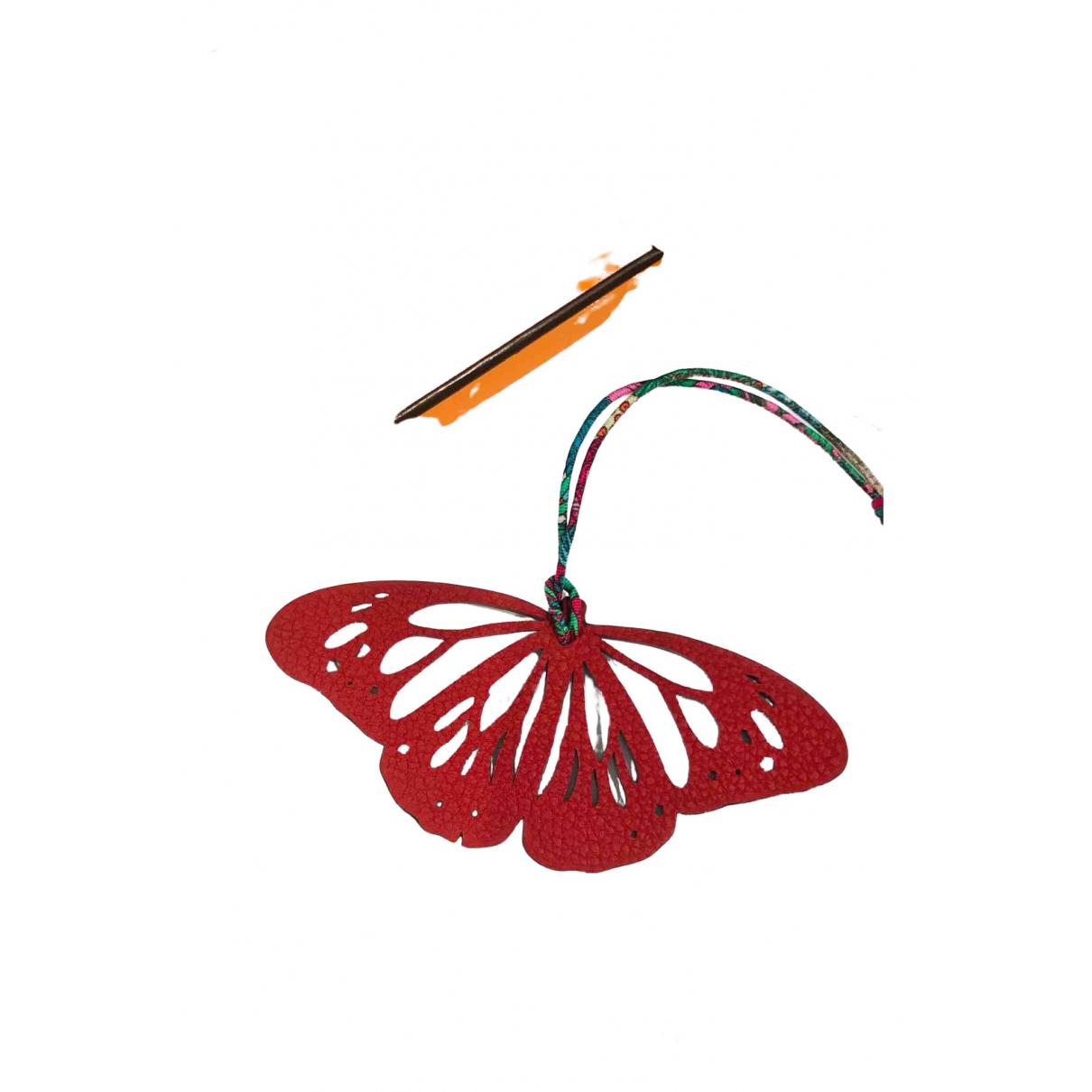 Hermes Petit H Taschenschmuck in  Rot Leder