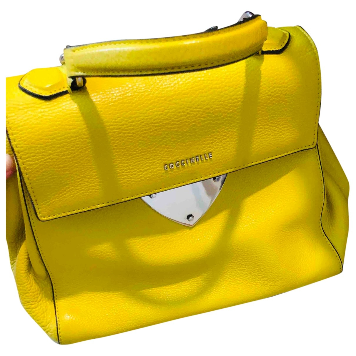 Coccinelle \N Yellow Leather handbag for Women \N