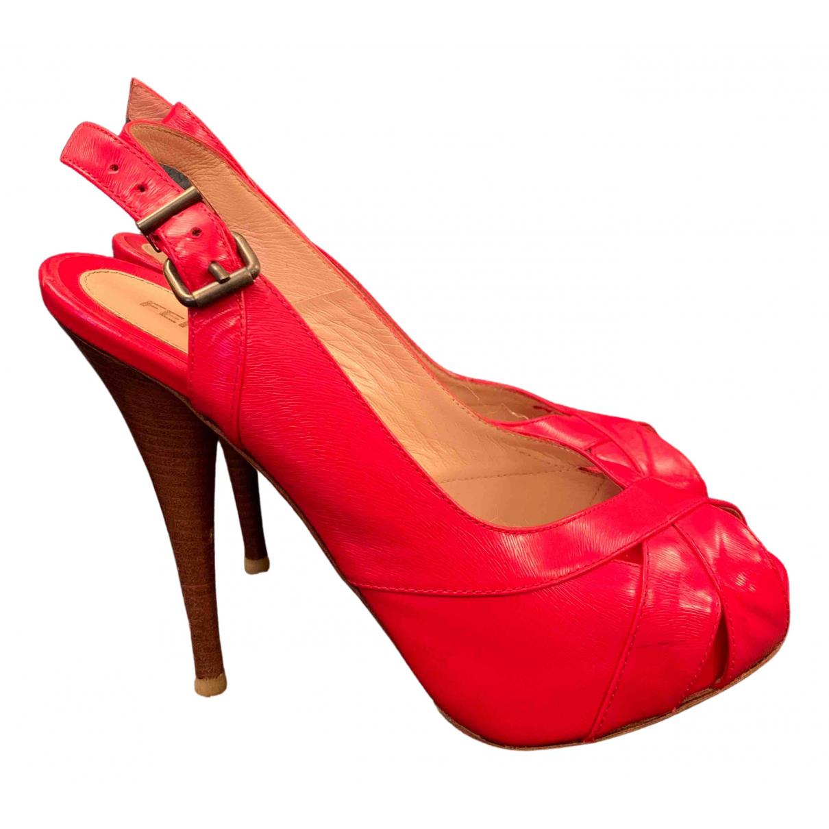 Fendi \N Sandalen in  Rot Leder