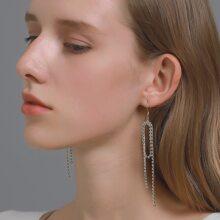 Ohrringe mit Strass Detail und metallischem Quasten