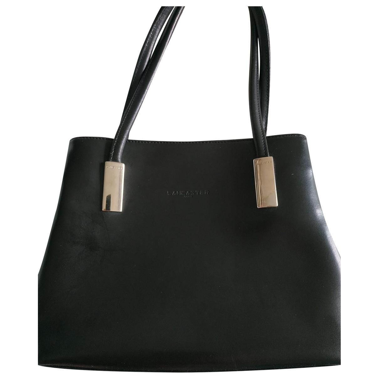 Lancaster \N Handtasche in  Schwarz Lackleder