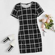 Kleid mit Karo Muster und M-Schlitz