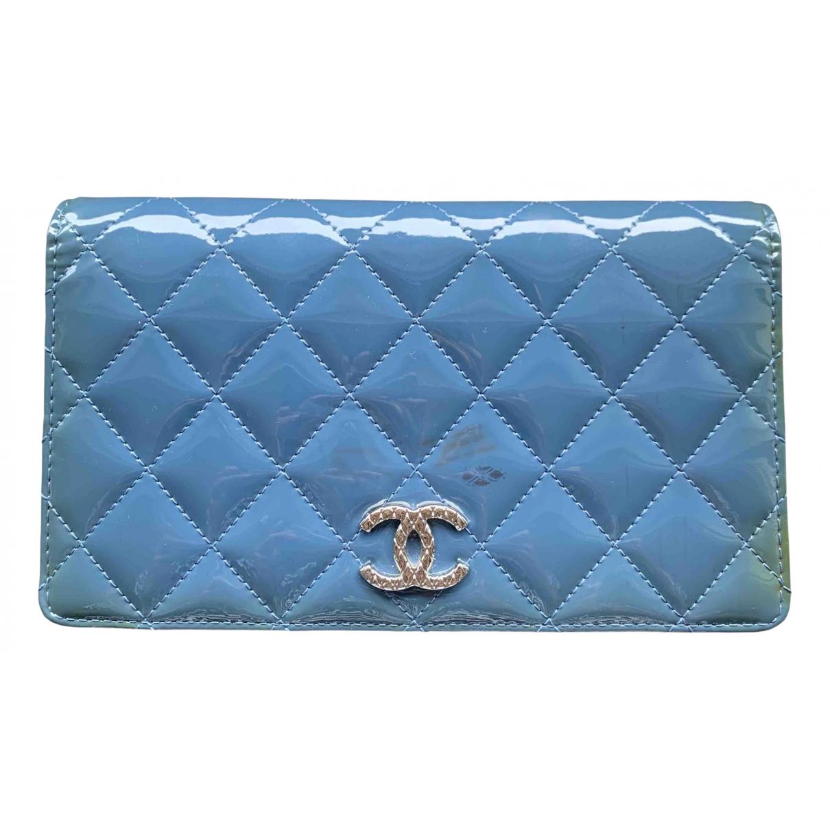 Chanel - Portefeuille Timeless/Classique pour femme en cuir verni - bleu