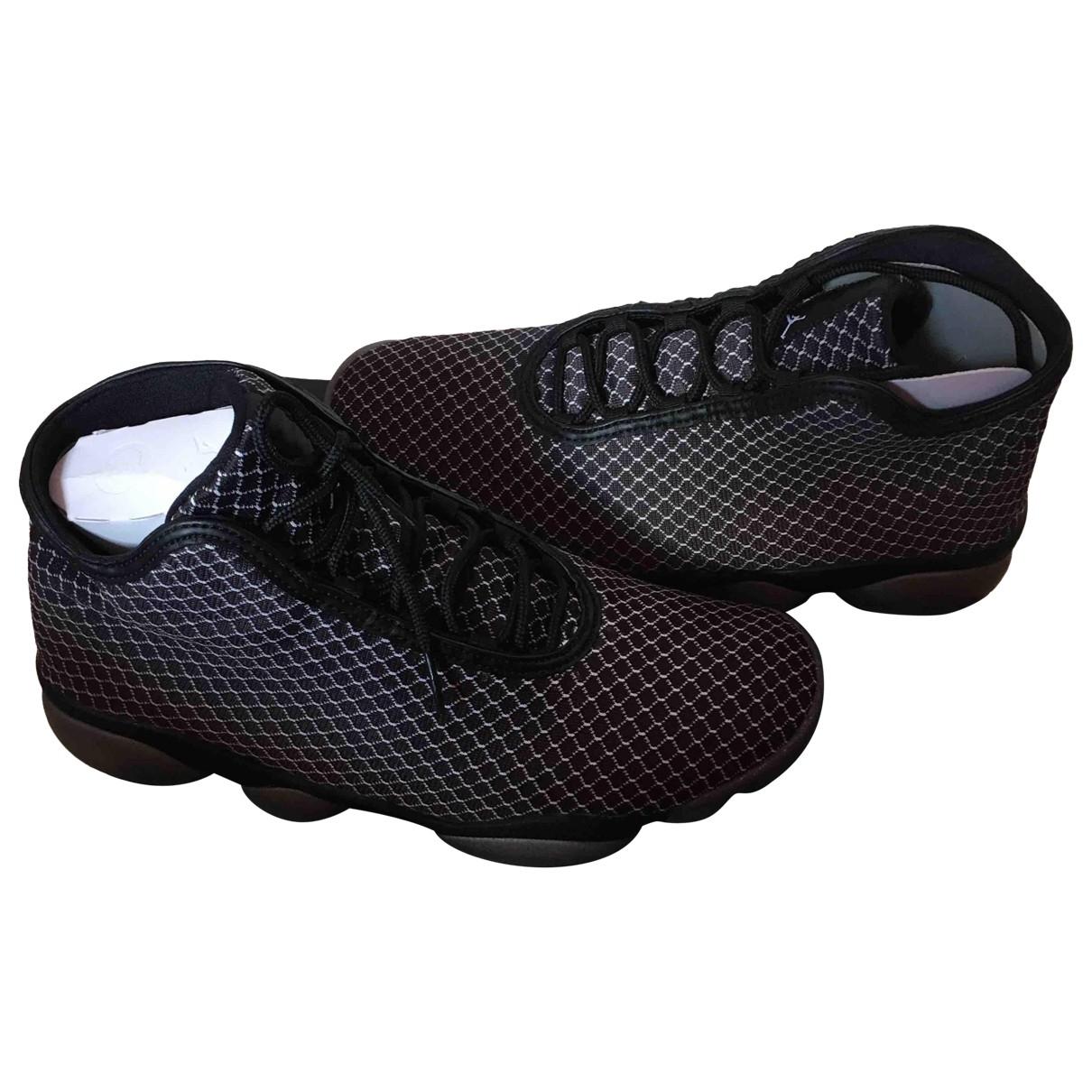 Jordan \N Sneakers in  Weiss Leinen