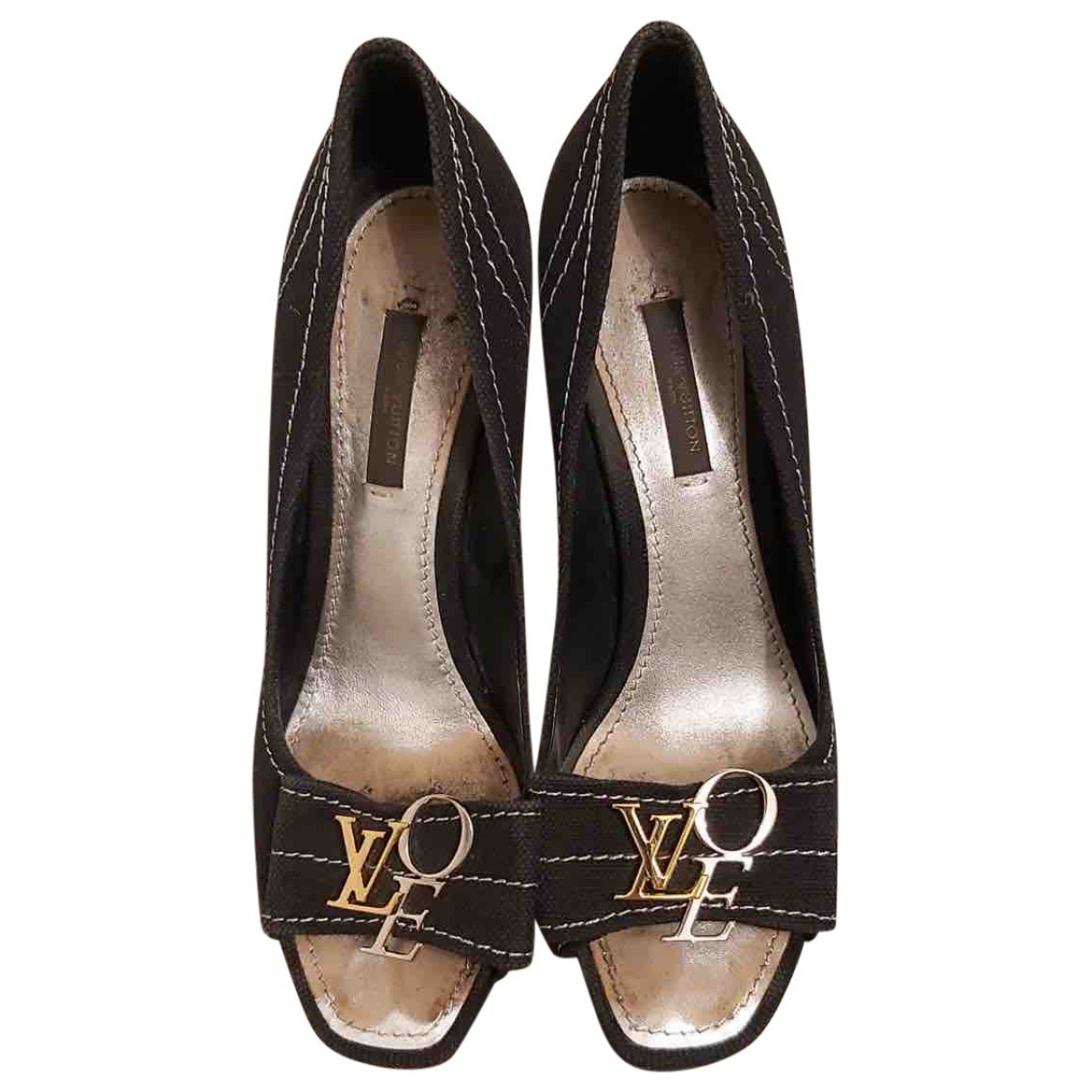 Louis Vuitton \N Pumps in  Schwarz Leinen
