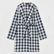 Kleid mit Schalkragen, Selbstguertel und Karo Muster