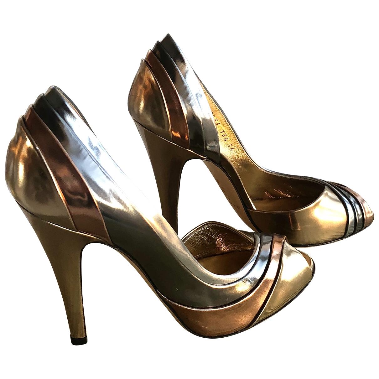 Casadei - Escarpins   pour femme en cuir - dore