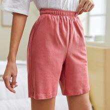 Shorts mit hoher Taille und schraegen Taschen