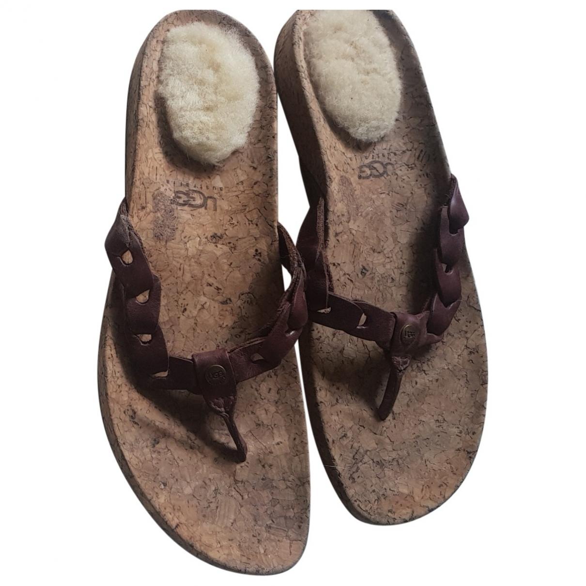 Ugg \N Sandalen in  Braun Leder