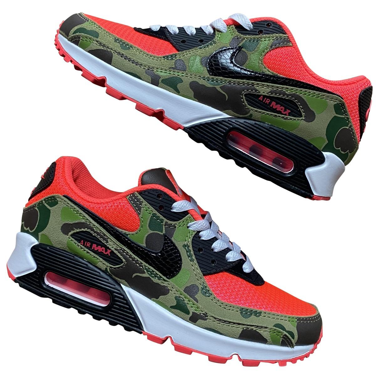 Nike Air Max 90 Sneakers in  Gruen Leder