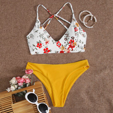 Bikini Badeanzug mit Blumen Muster und Riemen hinten