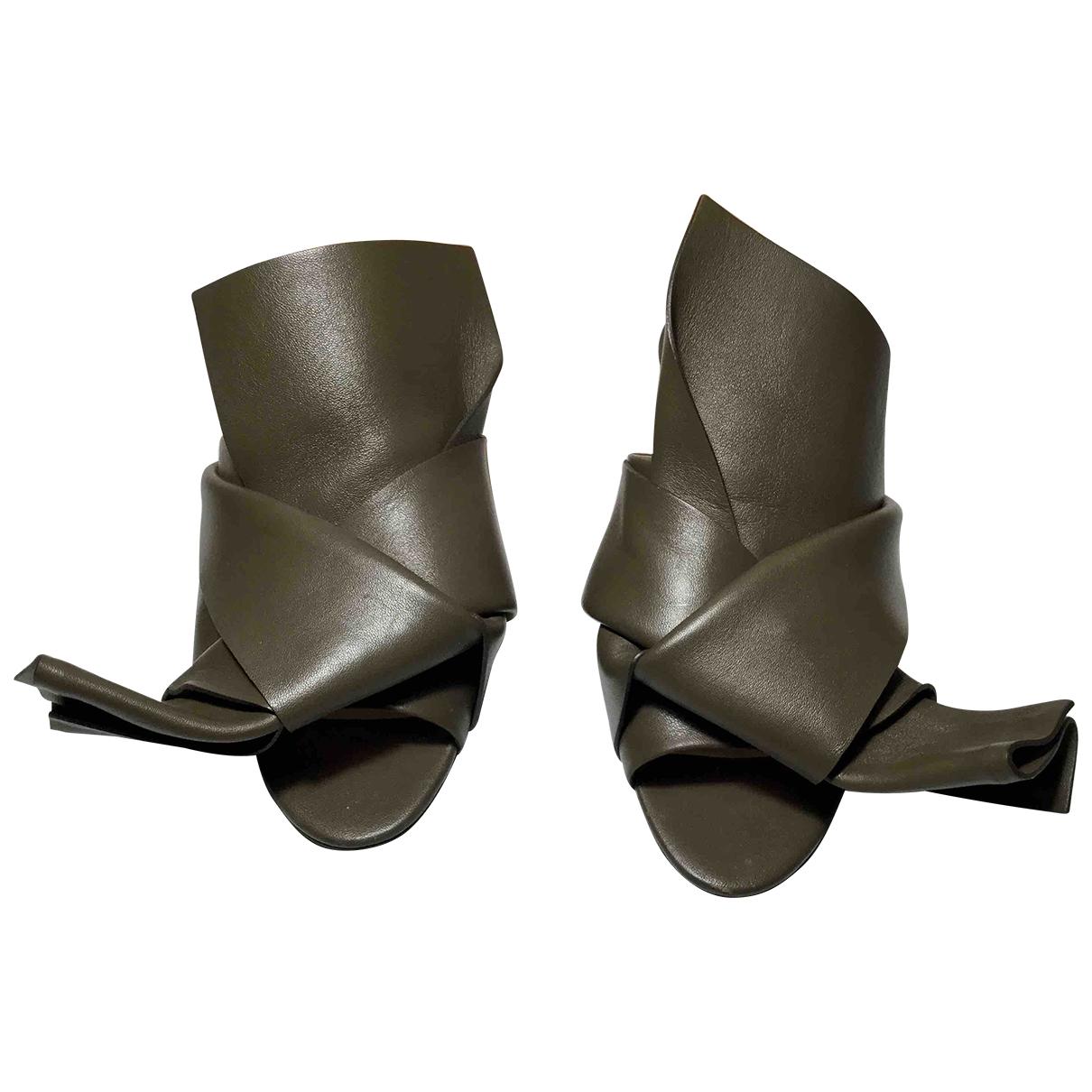 N°21 - Sandales   pour femme en cuir - kaki