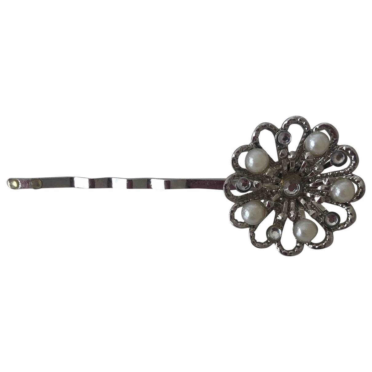 Non Signe / Unsigned Motifs Floraux Haarschmuck in  Silber Metall