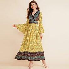 Kleid mit Schosschenaermeln, Farbblock und Stamm Muster