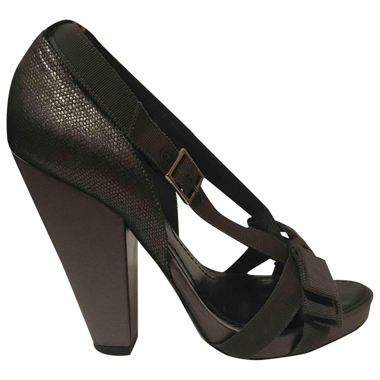 Givenchy - Sandales   pour femme en cuir - gris