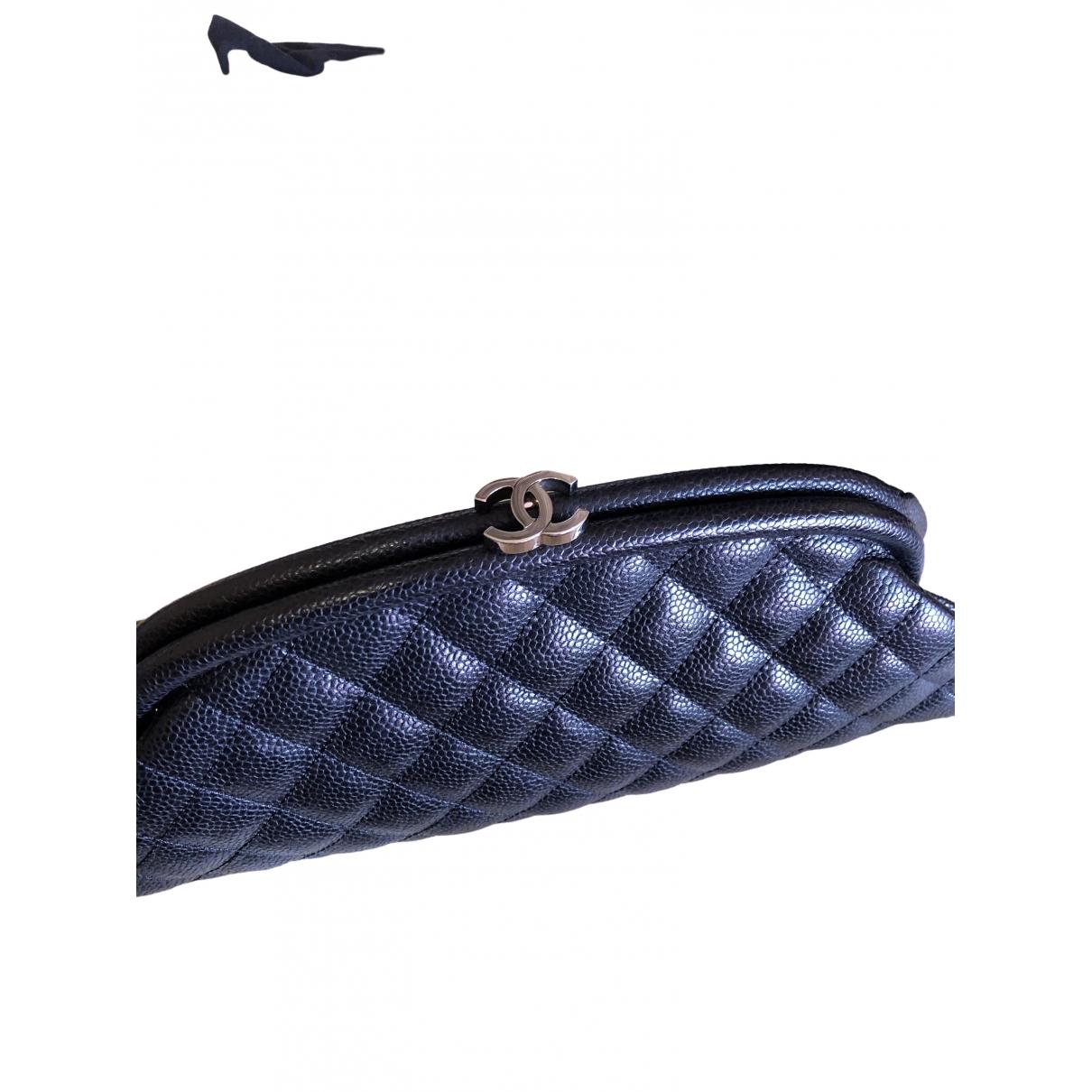 Chanel Mademoiselle Clutch in  Schwarz Leder