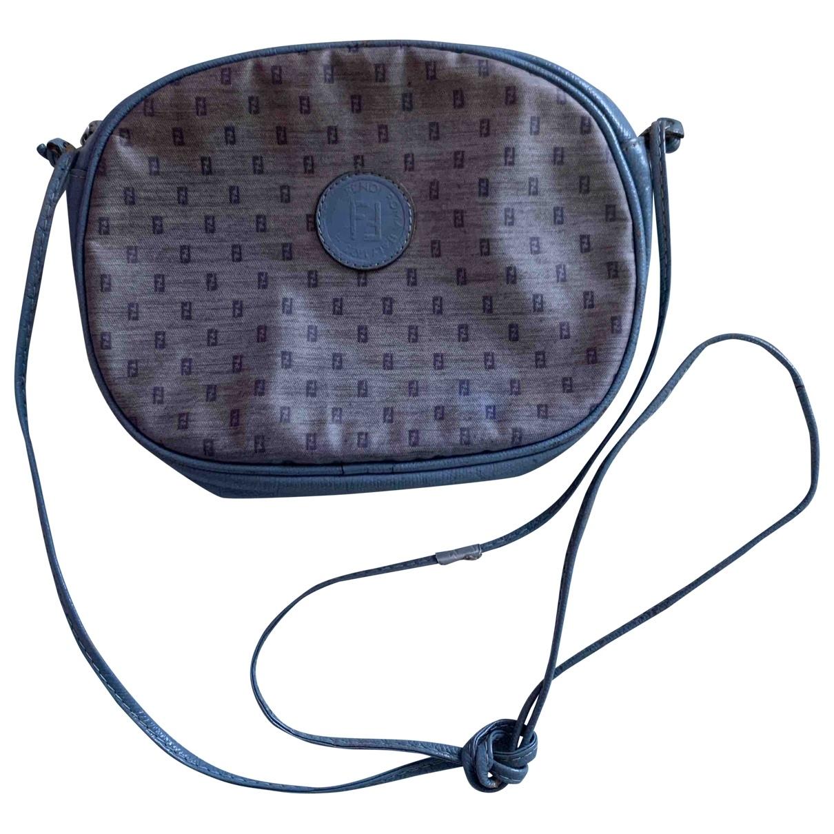 Fendi \N Handtasche in  Grau Leinen