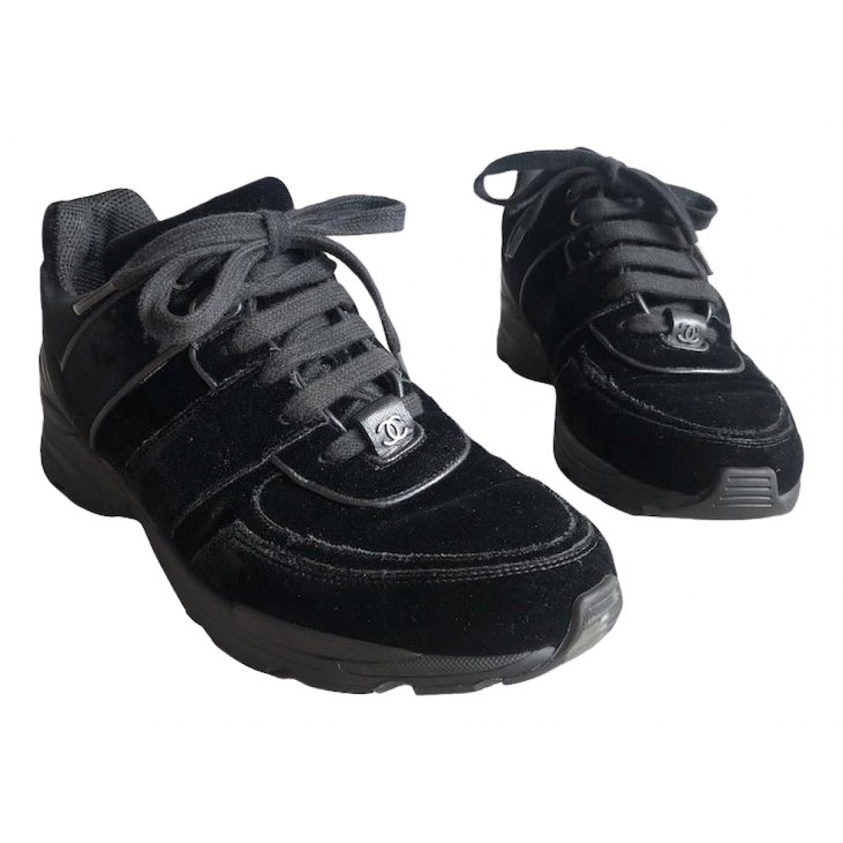Chanel \N Sneakers in  Schwarz Samt