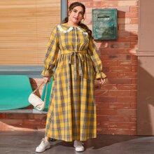 Hemdkleid mit Guipure Spitzenbesatz, Schosschenaermeln und Selbstguertel