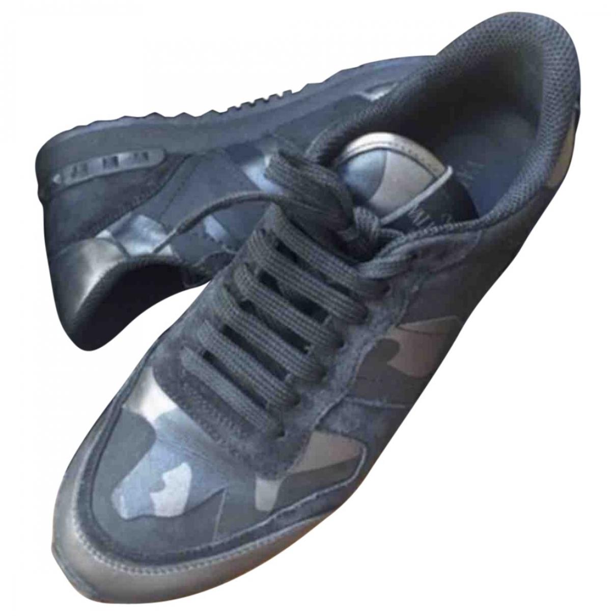 Valentino Garavani Rockrunner Sneakers in  Schwarz Leder