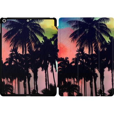 Apple iPad 9.7 (2018) Tablet Smart Case - Palm Trees at Sunset von Mark Ashkenazi