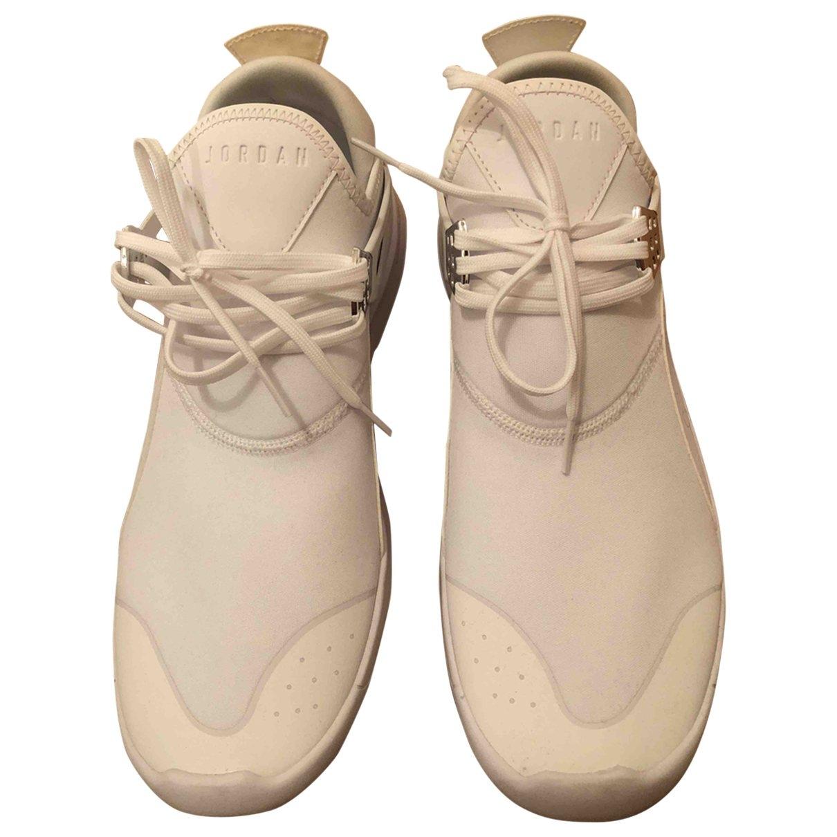 Jordan \N Sneakers Weiss