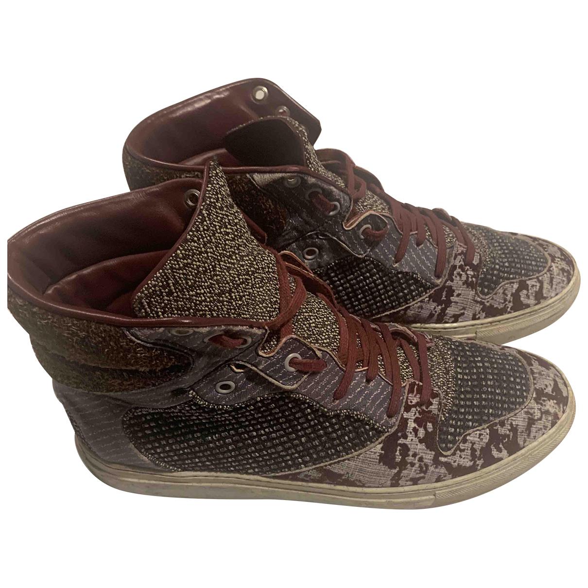 Balenciaga \N Sneakers Bordeauxrot