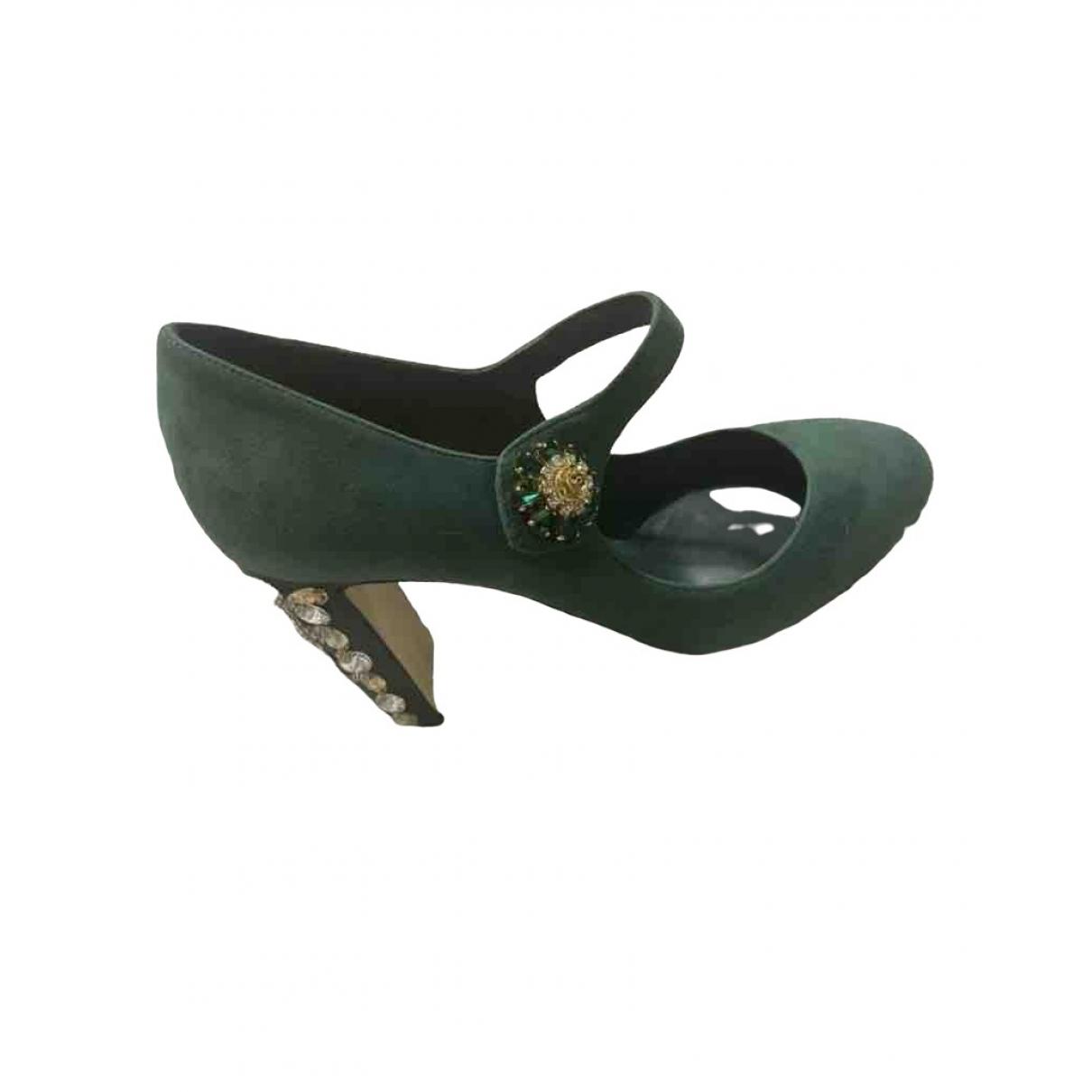 Dolce & Gabbana Taormina Pumps in  Gruen Veloursleder