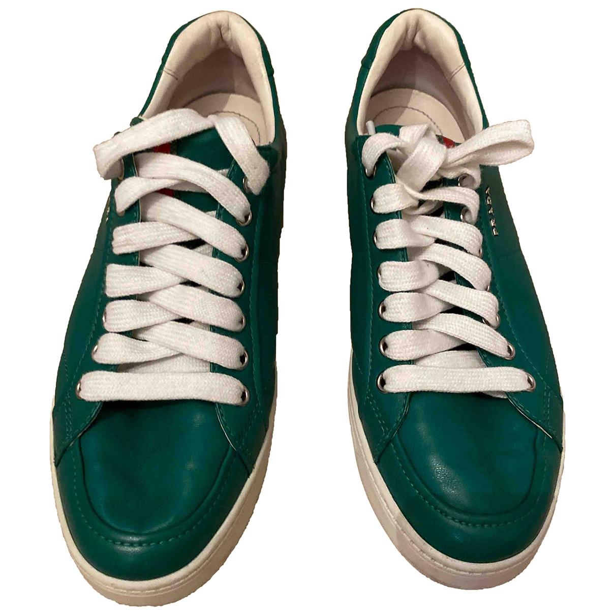 Prada \N Sneakers in  Gruen Leder