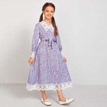 Kleid mit Stickereien, Netzbesatz, Guertel und Bluemchen Muster