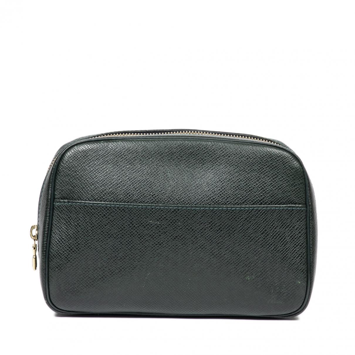 Louis Vuitton \N Green Leather Clutch bag for Women \N