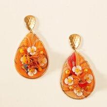 Ohrringe mit Blumen Dekor und Netzstoff