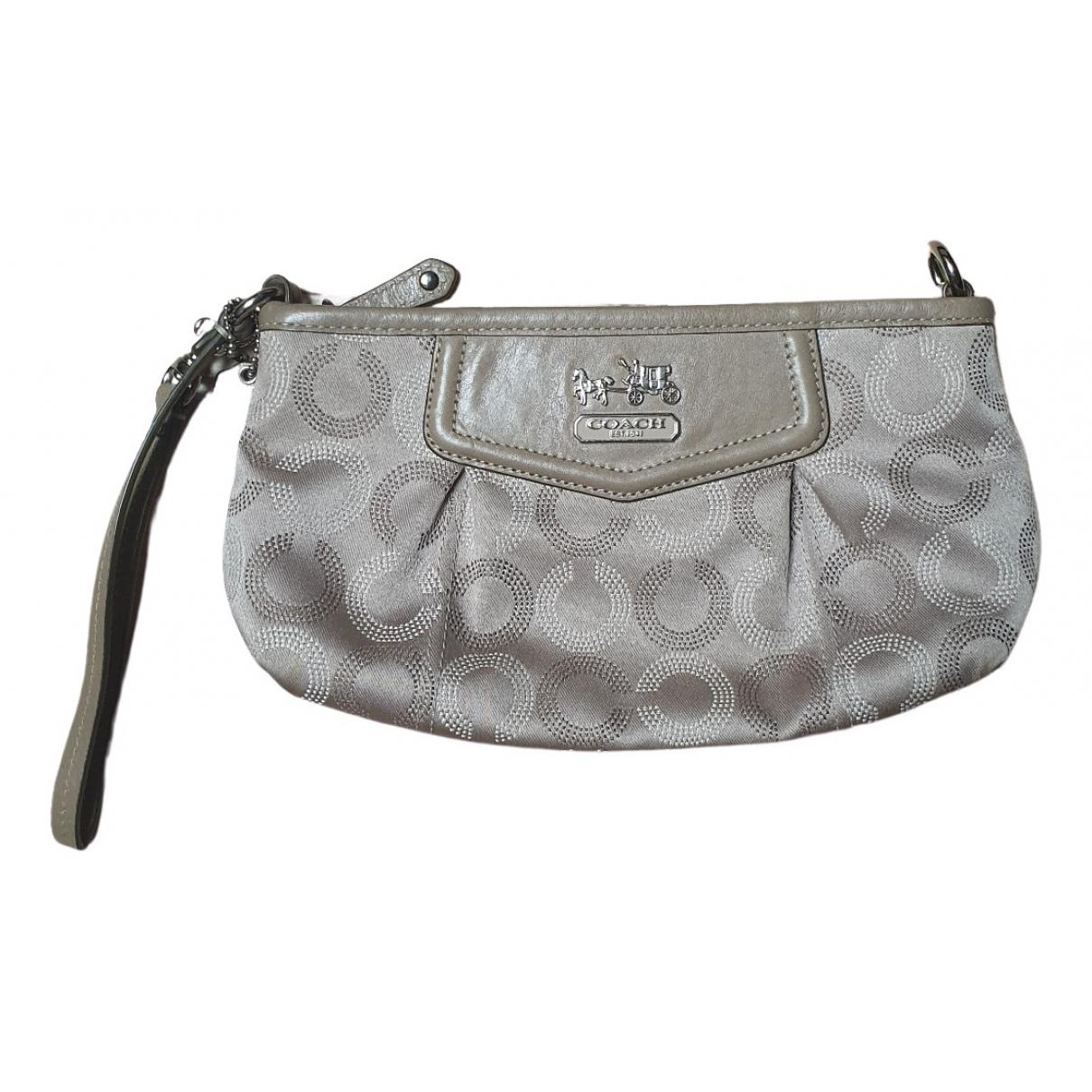 Coach \N Beige Cloth Purses, wallet & cases for Women \N
