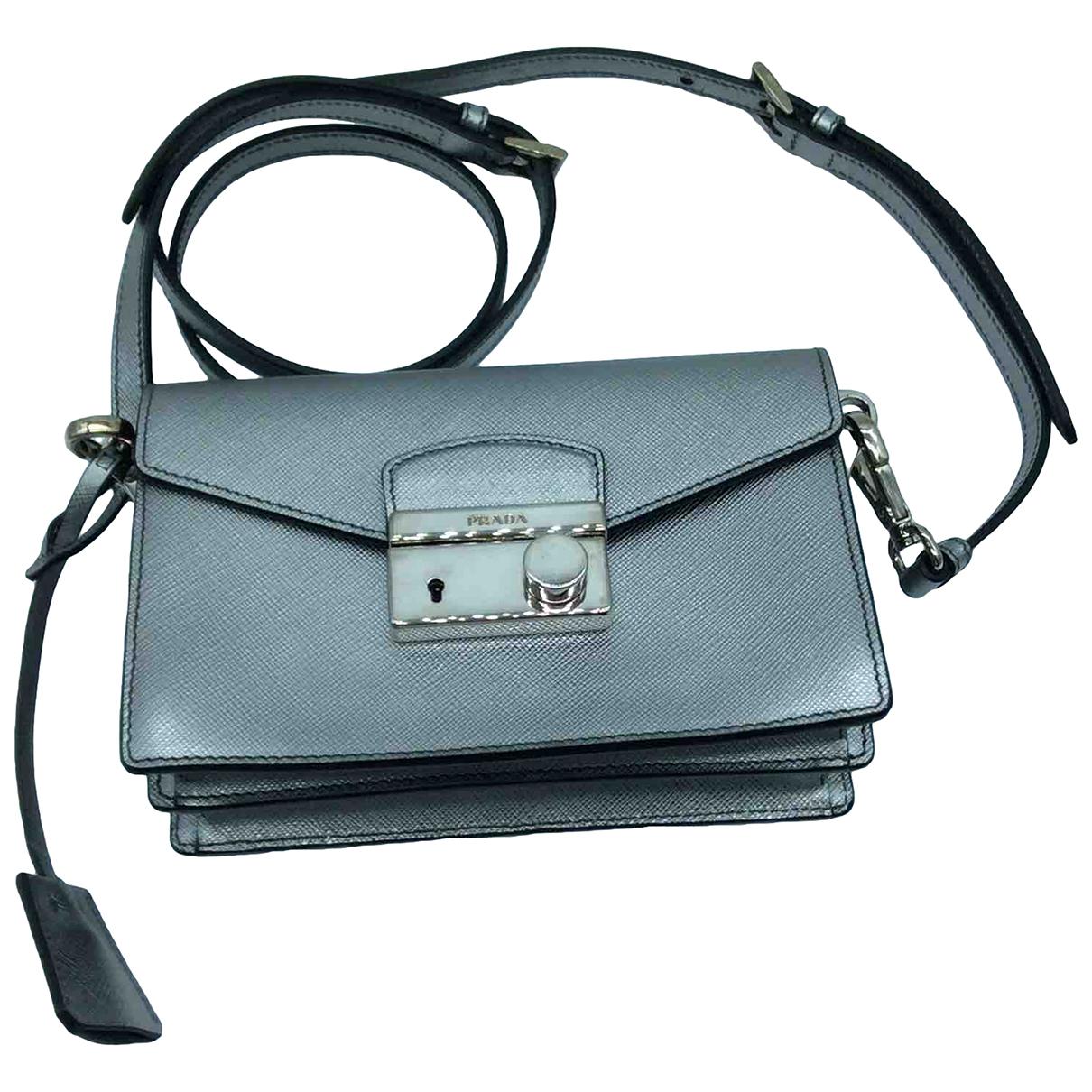 Prada saffiano  Handtasche in  Silber Leder