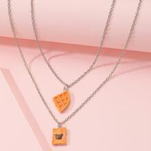 Mehrschichtige Halskette mit Toast Dekor
