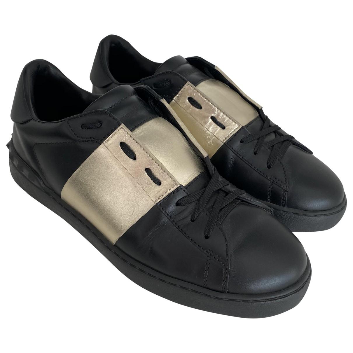Valentino Garavani - Baskets Rockstud pour homme en cuir - noir
